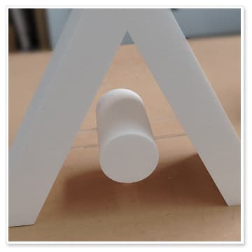 styrofoam-letter-with-acrylic-rods